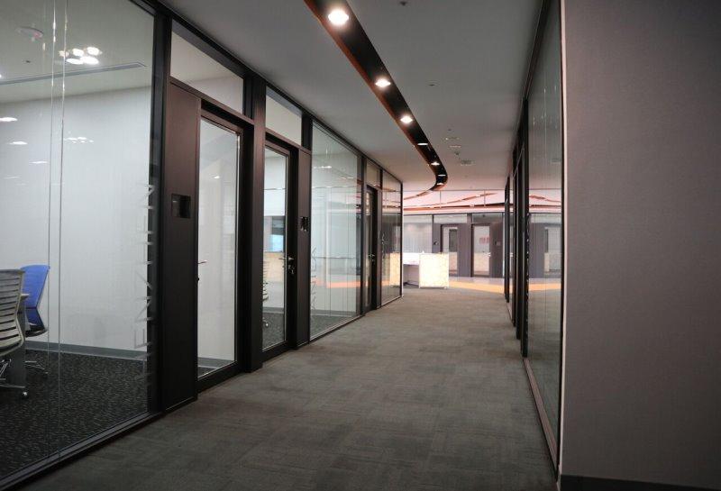 【玻璃隔音門及玻璃隔音固定窗/隔間】台北辦公室
