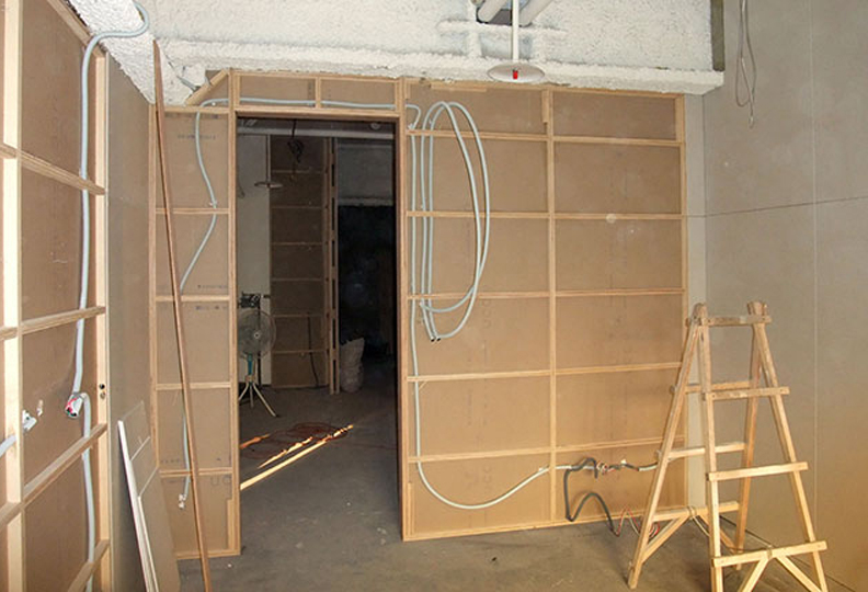 【隔音工程】隔音牆、管路施工現場