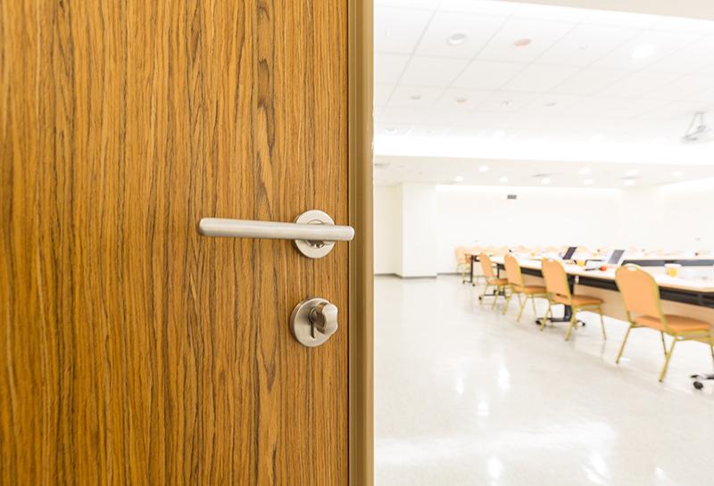 【臥室隔音門】台北新光醫院會議室