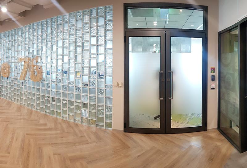 【180型雙開玻璃隔音門】Google辦公室